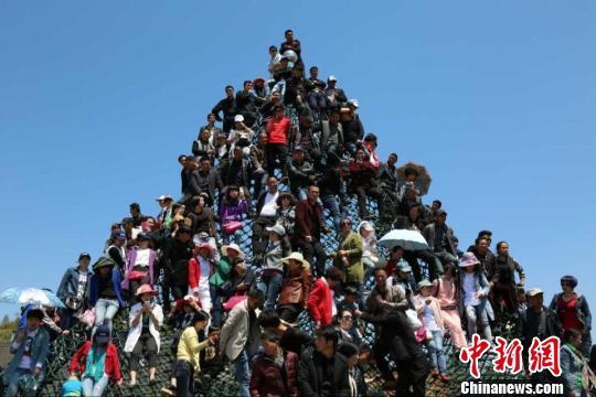 浙江苍南矾山旅游节发生意外造成2死15伤(图)
