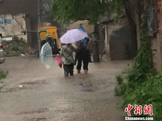 南京暴雨最大降雨量211毫米多河道临警戒水位