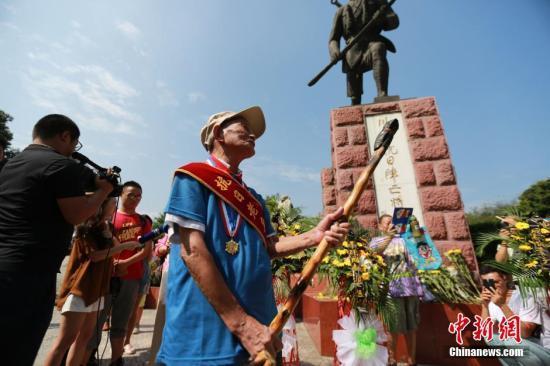 民政部:中央将为每一位抗战老兵颁纪念章