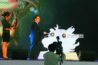 香港周开幕 世博园区唱响《上海滩》(组图)