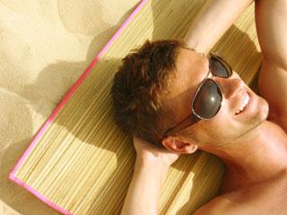夏日保健:喝运动型饮料可缓解中暑