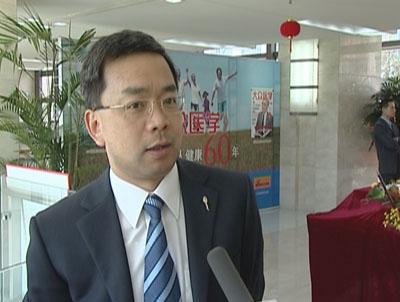 组图:上海市儿童医院院长陈方