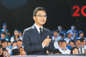 """央视主持人郎永淳亮相""""听写大会"""""""