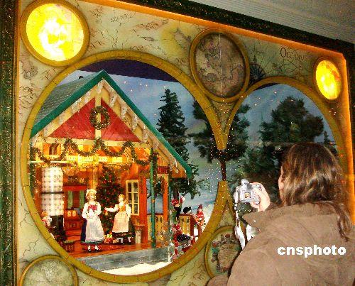图:圣诞橱窗成为纽约街头美景