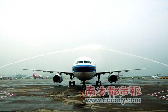 深圳机场二跑道试飞成功