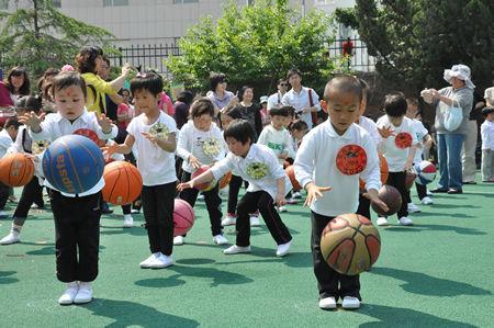 """青岛市北区实验幼儿园举办家园同乐庆""""六一""""活动"""