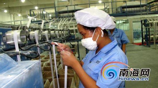 首先,海南橡胶将加大对海南岛地方老百姓种植橡胶的控制力度,除了353