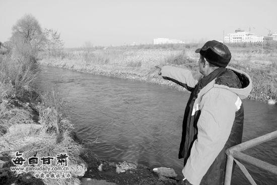 追捕毒贩岷县英勇民警舍身跳进湍急水流