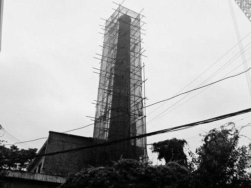 10米高的老烟囱终于拆除了