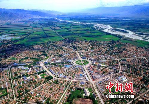 """新疆特克斯县按""""八卦""""图建设解决城市拥堵(图)"""