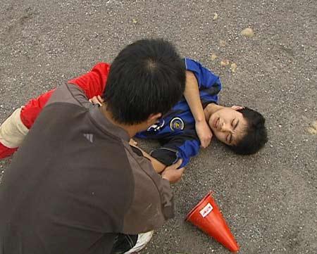 梦儿子被打伤了
