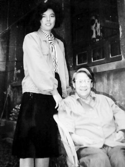 女子照顾被下放农村女教授近50年
