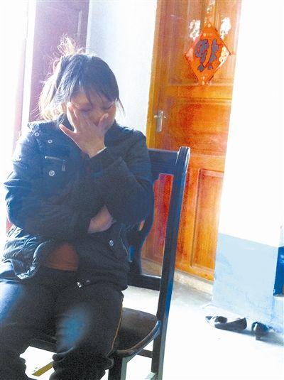 陈芸谈起丈夫的事,几度落泪。