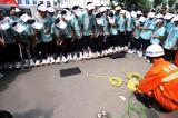 组图:200名孩子参加消防夏令营活动