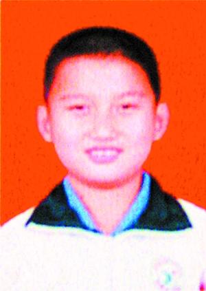 10岁男童上学路上被搅拌车碾压致死(组图)