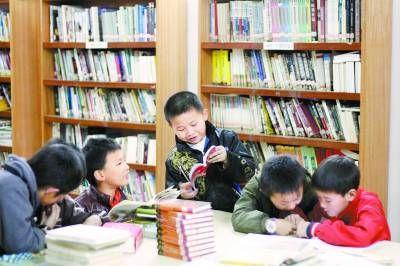 黄侃图书馆内的阅读场景。罗奇志摄