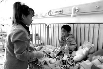 3岁女童疑在中关村遭丢弃 2天无人认领(图)儿童遭弃父母遗弃
