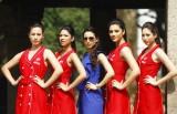 F1印度站女郎作秀
