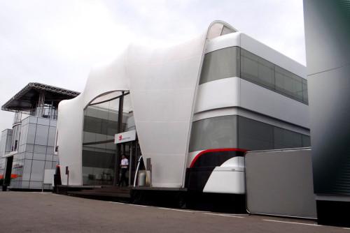 图文-2013F1车队Motorhome 索伯的Motorhome