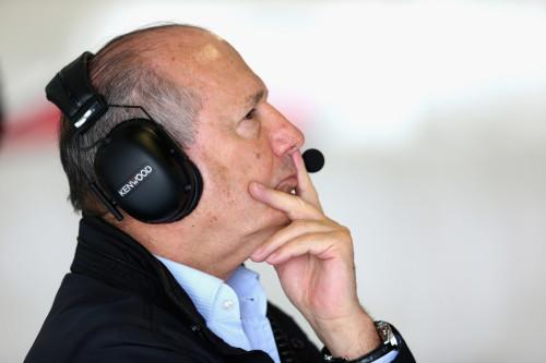 图文-F1澳洲站第3次练习赛 迈凯轮车队丹尼斯