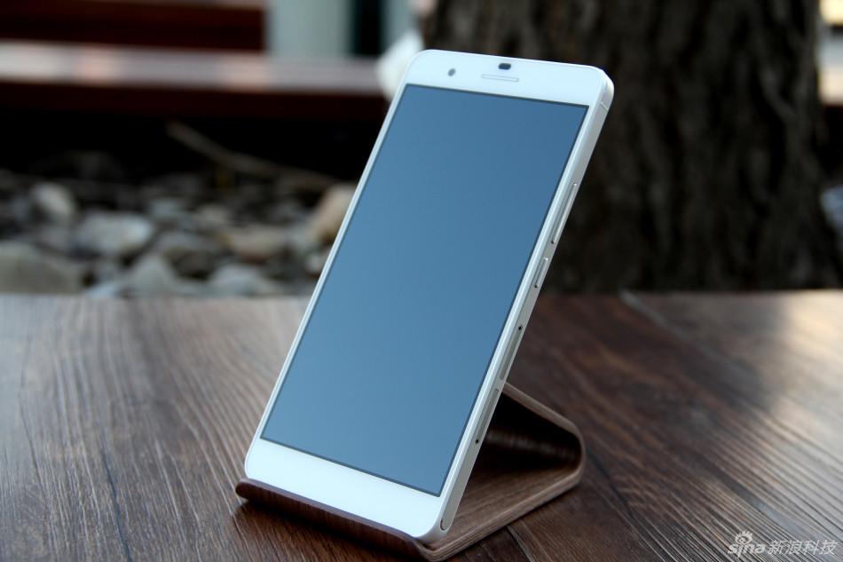 从入门到高端各价位5.5英寸屏手机搜罗(2)