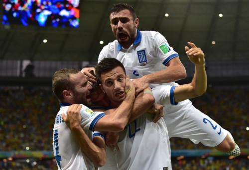 第111球:希腊抓住对手防线失误
