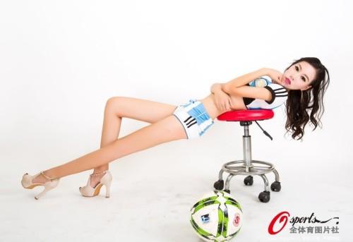 高清图-足球宝贝诱惑写真挺阿根廷