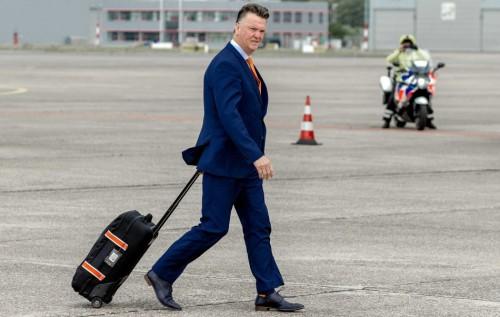 荷兰队回国受欢迎