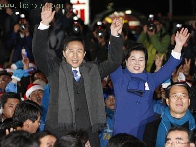 """总统!李明博续写""""神话"""""""