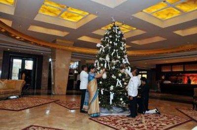 孟买遭恐怖袭击酒店重新开业(组图)