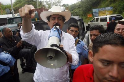 洪都拉斯被驱逐总统称将在边境安营扎寨(图)