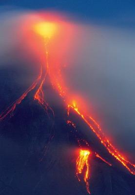 专家称熔岩正在以比预期快25倍速度涌向地表