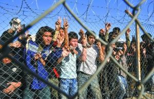 1月5日,希腊东北边境附近一个拘留中心内的非法移民。
