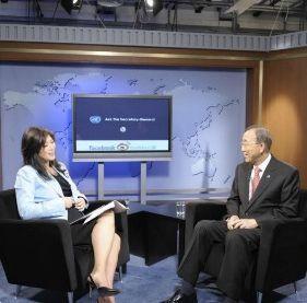 联合国秘书长潘基文与全球网友访谈互动