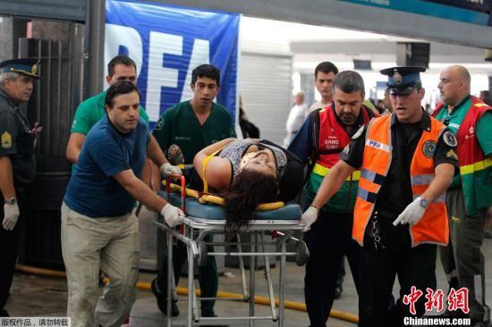 当地时间2月22日,阿根廷首都布宜诺斯艾利斯,发生城铁列车出轨事故。这成为近年来阿根廷发生的最严重的铁路交通事故。