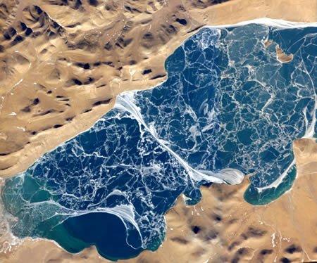 图文:青藏高原的纳木错湖