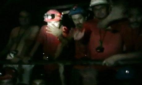 智利被困矿工井下生活曝光:可正常淋浴和进食