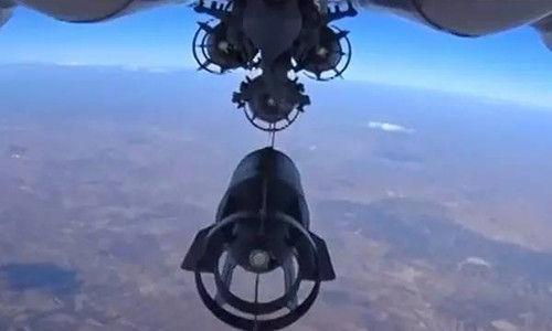 2015 年 10 月,俄罗斯国防部公布的对 ISIS 进行空中打击的画面