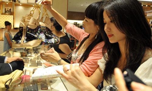 中国经济增长放缓,靠买买买扭转?