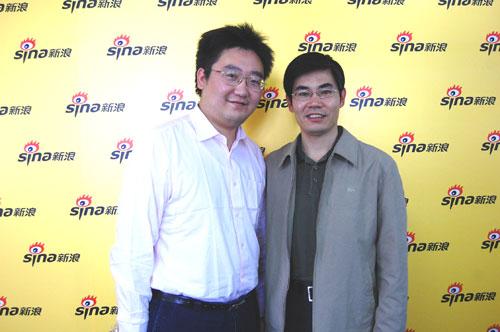 北京科技大学招生办主任韩经与主持人娄雷合影