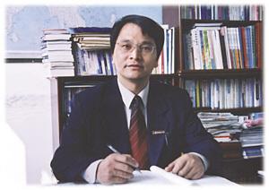 启东中学校长王生