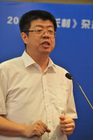 著名评论家、文化学者、北京大学中文系教授、博士生导师张颐武(毛重渝摄)