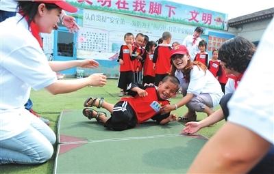 中国实践教育缺失:社会实践盖章走过场