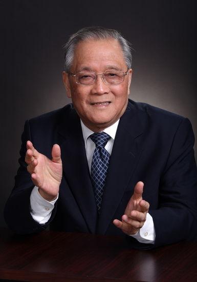 陈光中(1930.4――)浙江永嘉县人。