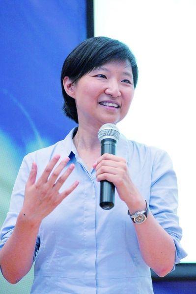 华裔美籍科学家庄小威:不考100分可能更好