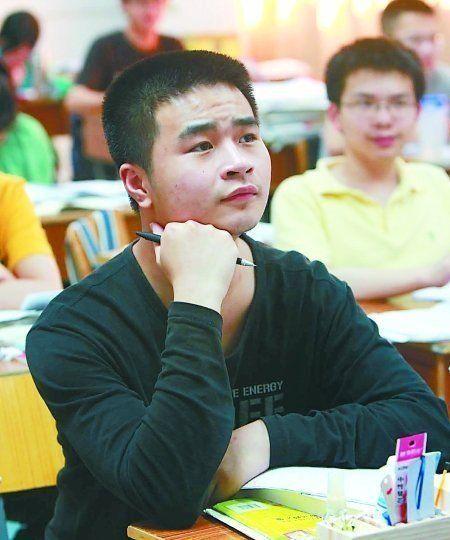 从班级倒数第一到年级前十,他只用了半个学期的时间