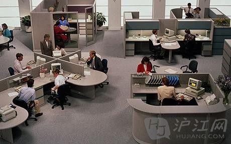 办公室危害健康:工作环境在谋杀你!(双语)