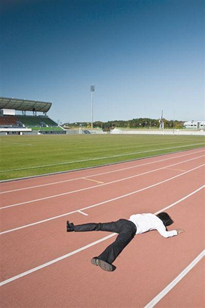 """体育锻炼属于""""自找苦吃"""",因此很多学生不愿意"""