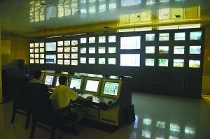 监控中心可以看到每间教室的情况。