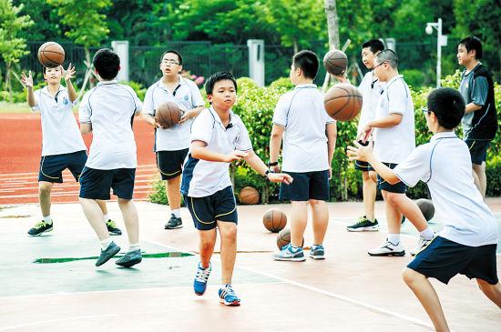 不少学生体育中考选择篮球